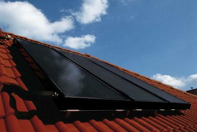 Solarkollektor auf Ziegeldach